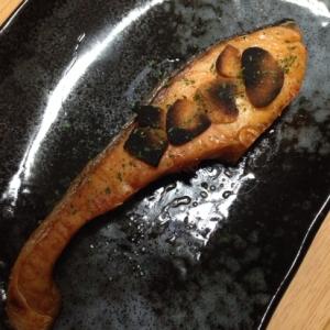 にんにくチップで☆鮭のガーリック焼き(*^^*)