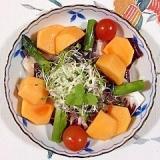 トレビス、アスパラ、生ハム、柿のサラダ