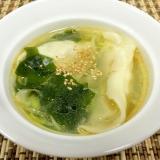 冷凍餃子入りわかめスープ(水餃子風)❤︎