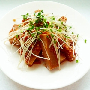 トトリムクとブロッコリースプラウトのサラダ
