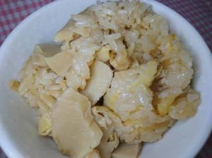 土鍋で筍ご飯