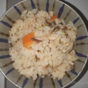味付け不要、失敗しない!塩昆布とツナの炊き込みご飯