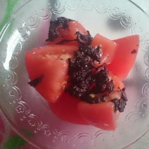 梅干しの赤紫蘇で和マリネ