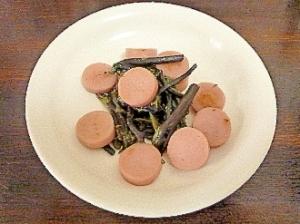 簡単♡蕨&魚肉ソーセージ炒め