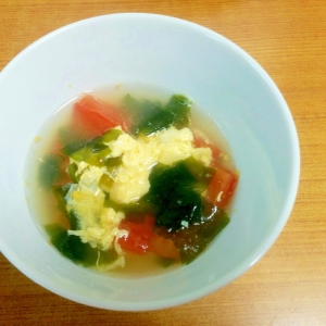 トマト卵のわかめスープ