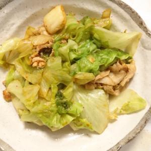 レタスと豚バラとキムチの炒め物