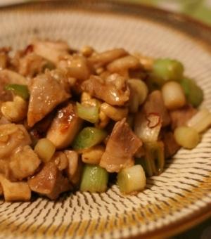 カシューナッツと鶏肉のオイスター炒め
