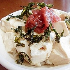 梅ともみ海苔の豆腐丼