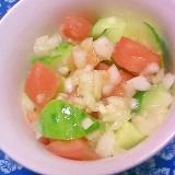 胡瓜、トマト、玉ねぎのオリーブオイル和えサラダ