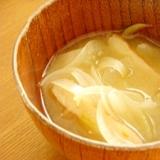 我が家の味噌汁★玉ねぎとさつま揚げ