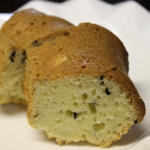 ホットケーキミックスのさつま芋と黒ゴマのケーキ
