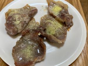 豚肩ロースの粉チーズ焼き