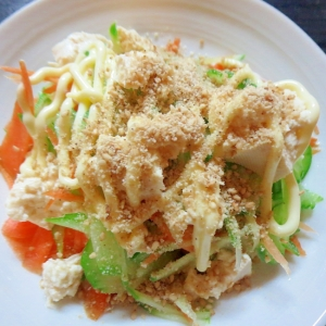 豆腐入り胡麻サラダ