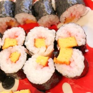 桜でんぶと伊達巻のかんたん細巻き寿司