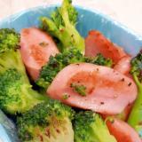 お弁当!魚肉ソーセージとブロッコリーのコンソメ炒め