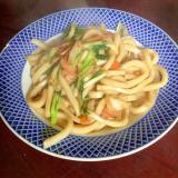 ソース焼きうどん@白菜&水菜&魚肉ソーセージ。