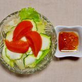 ズッキーニとトマトとレタスのサラダ