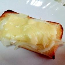 わさびマヨ♡オニオンチーズトースト