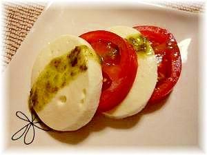 ♪切って並べて★トマトとモッツァレラのカプレーゼ♪