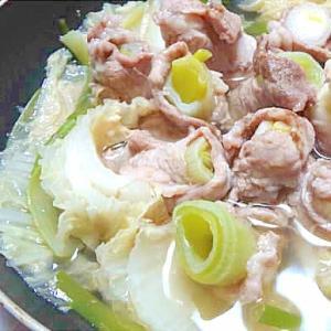 白菜と長ネギの豚肉ロール鍋