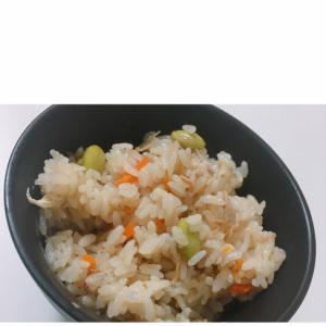 野菜たっぷり!簡単炊き込みご飯♪