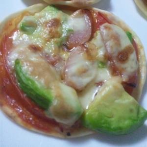 餃子の皮or市販の生地で♪お手軽ミニピザ