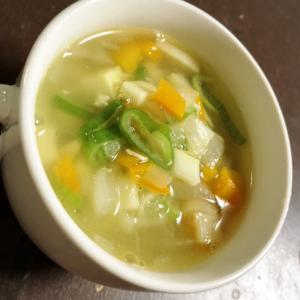 筍のシャキシャキが美味しい!!野菜の中華スープ☆