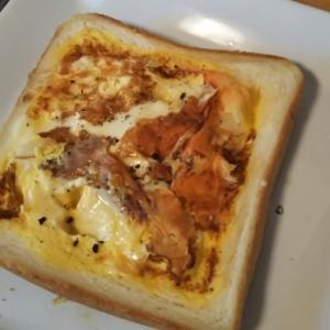 しゃきっとキノコ入り!ふわふわオムレツチーズパン