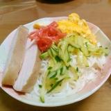 鶏肉ときゅうりと卵の冷や麦サラダ