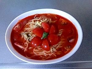 イタリアンな冷たいトマトのラーメン