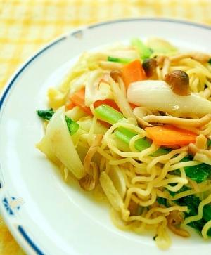 チャチャッと簡単⭐野菜たっぷりの塩焼きそば