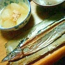「きれいに食べさせる!」さんまの塩焼き。