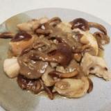トロトロ〜♪大粒なめこと鶏の炒め物