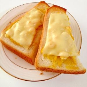 かぼちゃとコーンのチーズトースト