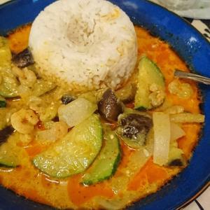 小エビと夏野菜のレッドカレー