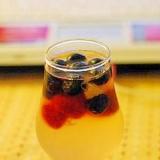 白ワインとフルーツのジュレ