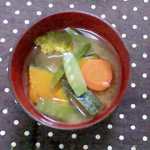 緑黄色野菜のみそ汁