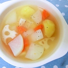大きく切ろう!根菜コンソメスープ♪
