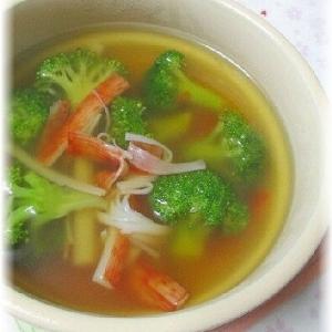 ブロッコリーとカニカマのスープ
