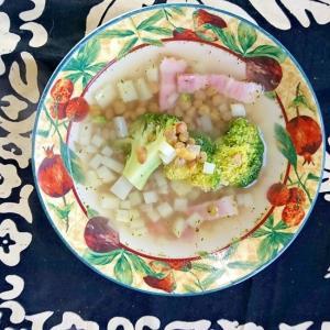 ブロッコリーとレンズ豆のスープ
