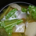 毎日のお味噌汁152杯目*ジャガイモ、玉葱、蕪の葉
