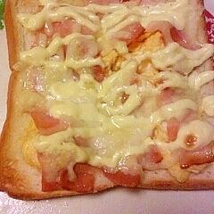 ベーコン卵チーズトースト