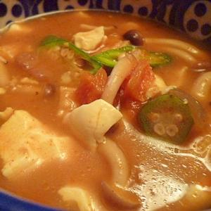 残りカレーと牛乳で☆まったり豆腐スープ