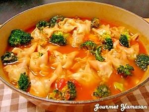 餃子の皮deラビオリ風♪ イタリアン☆トマト鍋