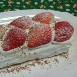 HMと卵のカステラで☆苺と生クリームのケーキ☆