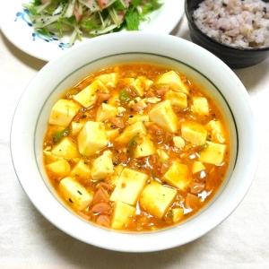 ウインナーで肉感アップ♪市販の素で簡単麻婆豆腐♡