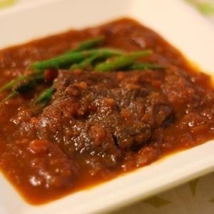 牛肉のトマトシチュー