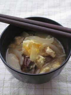 **牛肉と玉ねぎの味噌スープ**