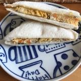 人参と梅干しの卵焼きのランチパック風サンド