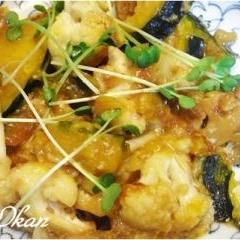 カボチャとカリフラワーの味噌チーズ炒め
